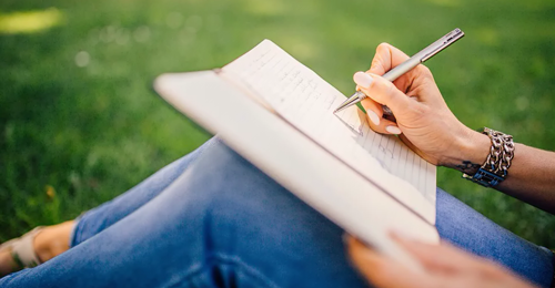 Un laboratorio (gratuito) di scrittura espressiva per sole donne